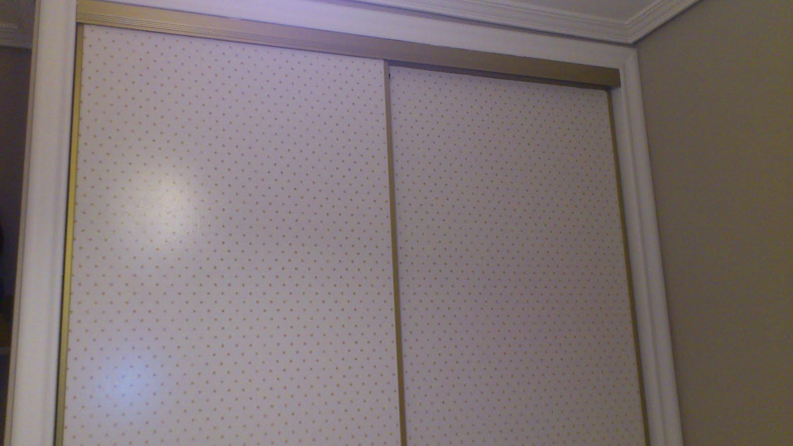 Al colito mi alma cambio al armario for Papel pintado puertas