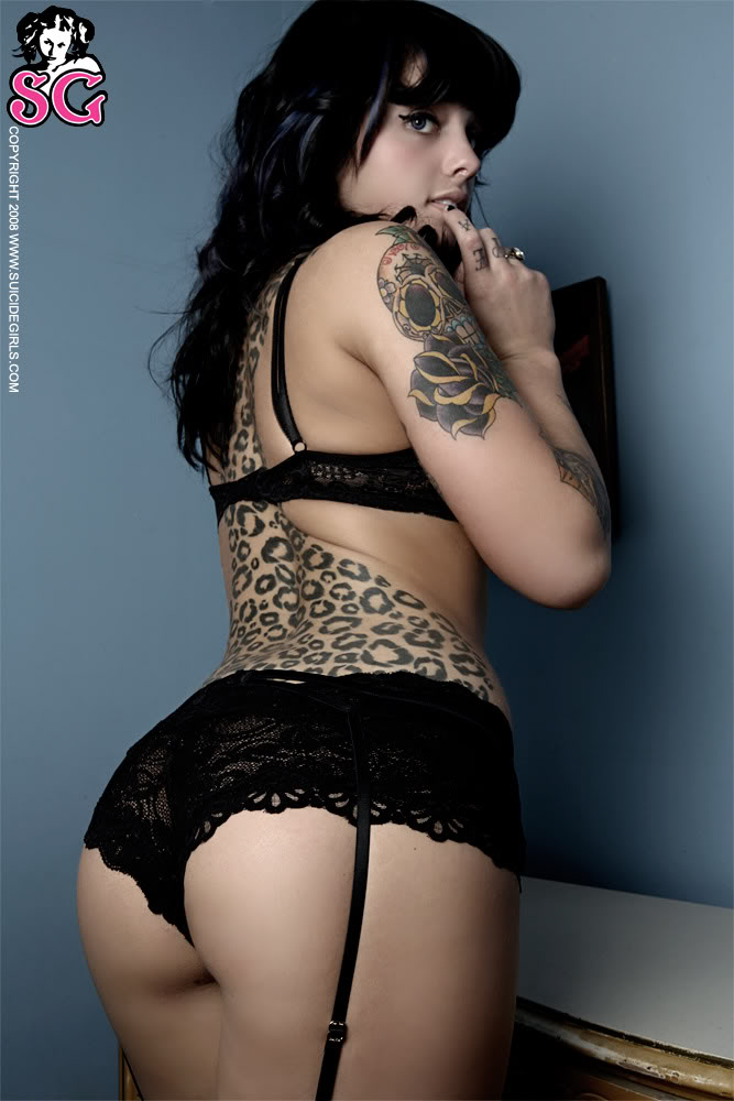 Gangstamusikk hotttie of the week radio bully marianee for Chubby tattooed girls