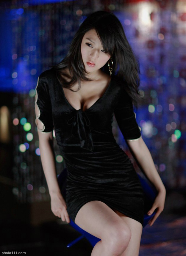hwang mi hee sexy korean race queen pic 01