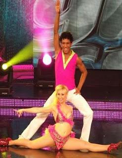 Belén Estevez y Waldir bailando merengue en Quinta Gala de Reyes del Show