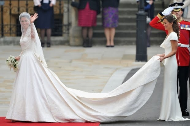 katemiddleton-wedding-dress-sarah-burton-photo