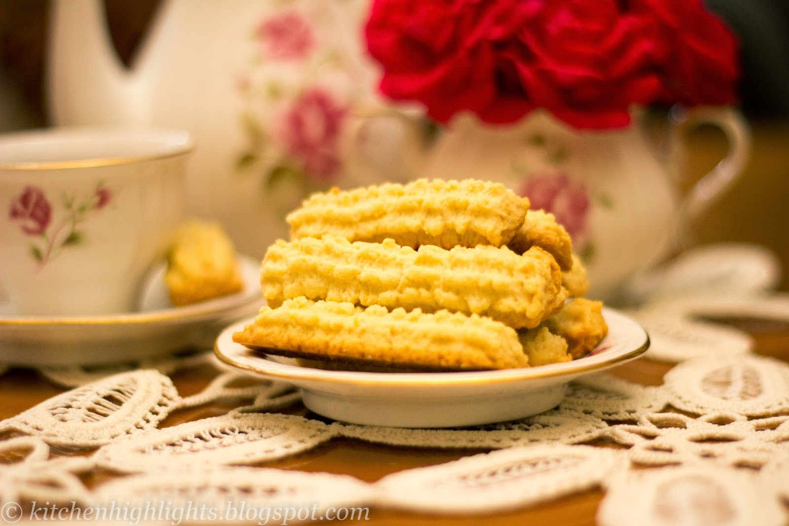 Crisp butter biscuits (or butter cookies) are a simple way to enjoy a beautiful afternoon