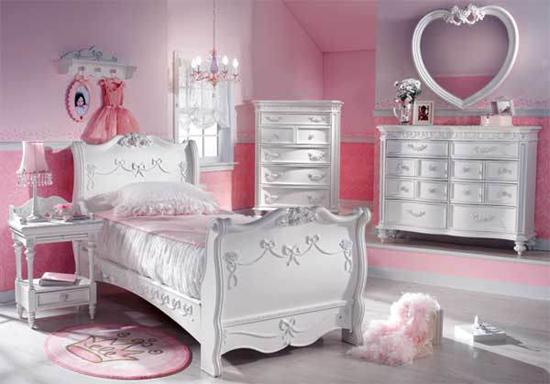 Toda la feminidad en la decoración interior de este dormitorio de