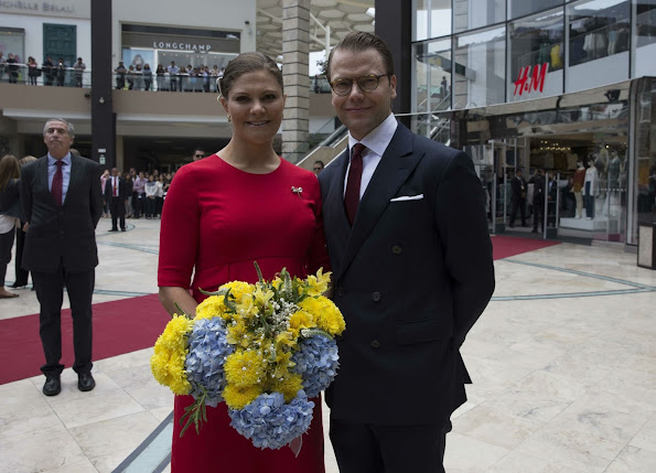 Crown Princess Victoria of Sweden and Prince Daniel of Sweden visit a H&M store at Jockey Plaza