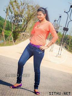 Ruwangi Rathnayaka jeans