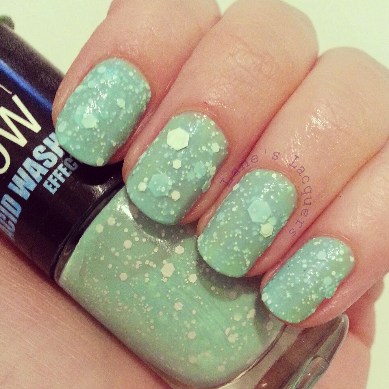maybelline-colorshow-acid-wash-mint-acid-ittude-swatch-mancicure (2)