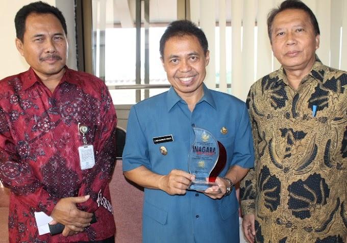 Walikota Raih Piagam Inovasi Administrasi Negara