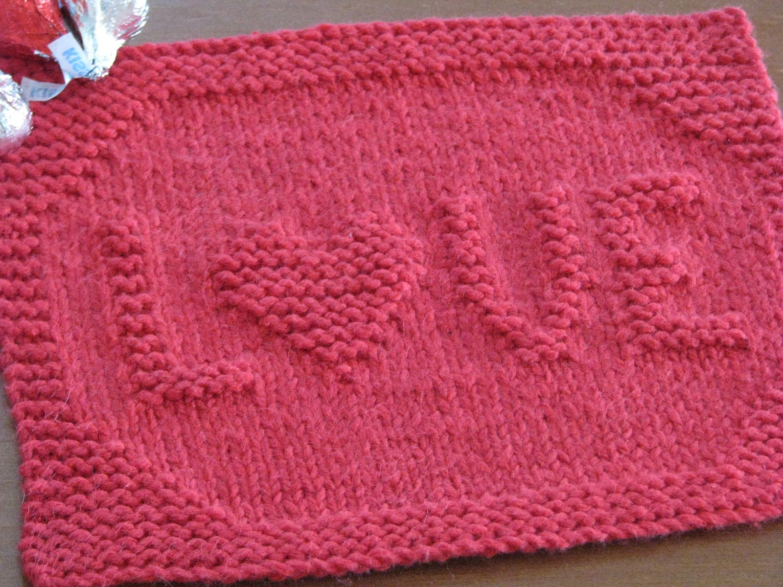 Crafty Knitting Patterns : One Crafty Mama: LOVE Dishcloth