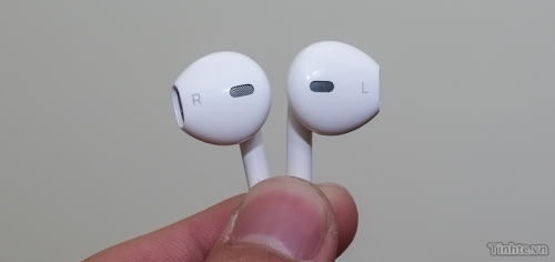 iphone-5-head-phones