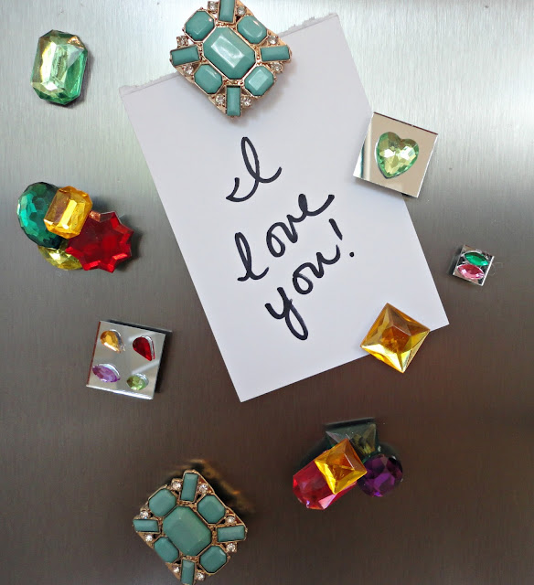 DIY bead magnets! Such a great way to re-purpose old or broken jewelry!