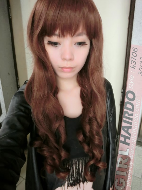 http://2.bp.blogspot.com/-d2MWh2O9mhw/UyGGA78Z_VI/AAAAAAAARo4/hvq_80pSs9g/s1600/CIMG0012+++girlhairdo+wig+shop+where+to+buy+wig+nice+curly+long+wig+singapore+hair+extensions.JPG