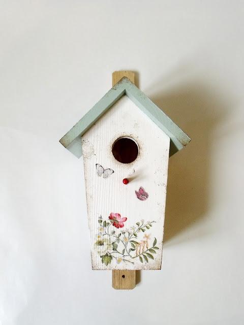 Domek dla ptaszków.
