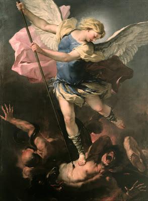En la imagen San Miguel Arcangel sometiendo al diablo con su lanza.