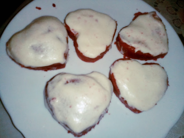 No-Bake Red Velvet Cupcake with Cream Cheese Frosting