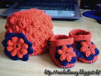 Háčkovaná čiapka pre malú slečnu :)