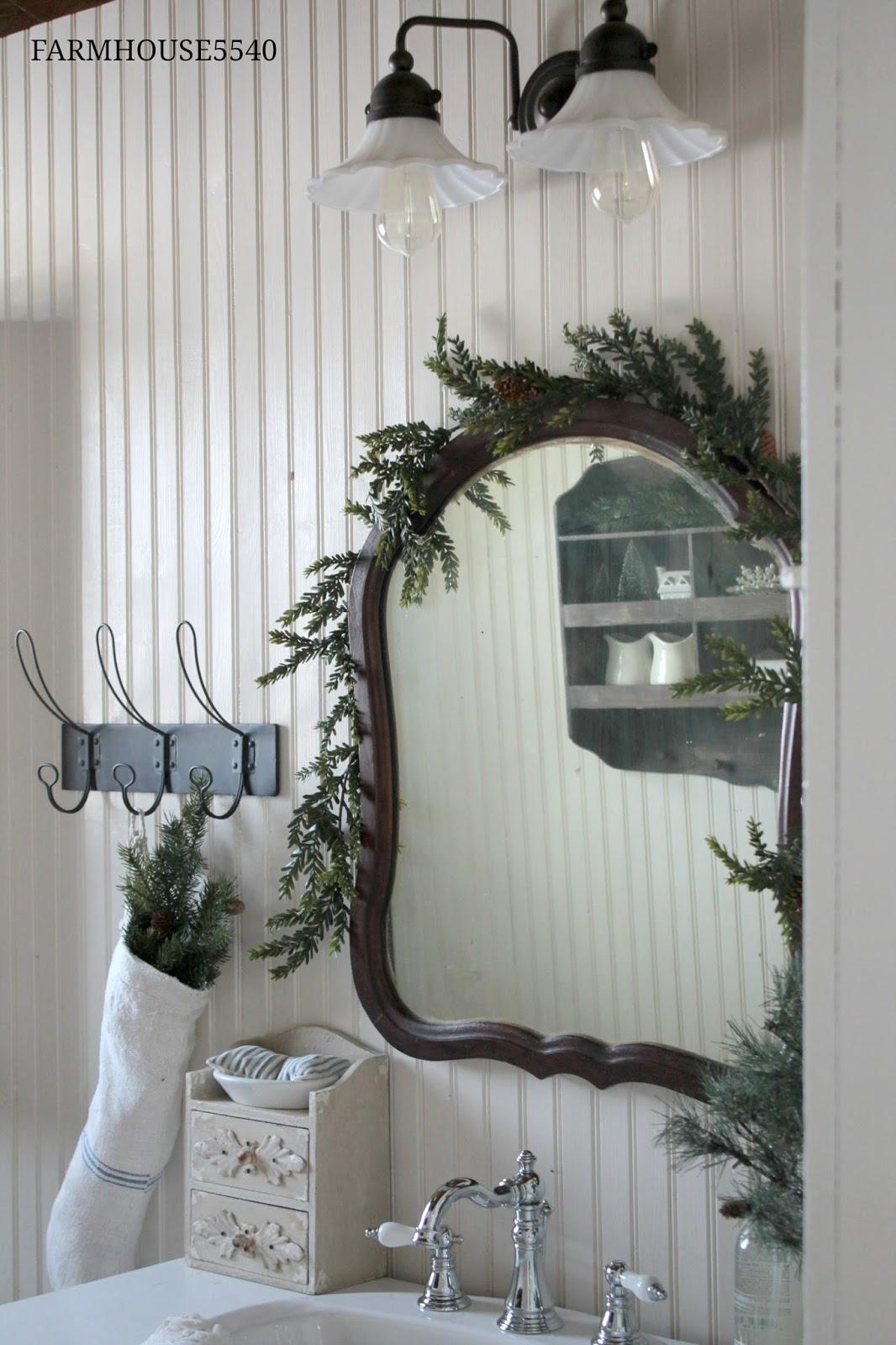 FARMHOUSE 5540 Farmhouse Bathroom At Christmas