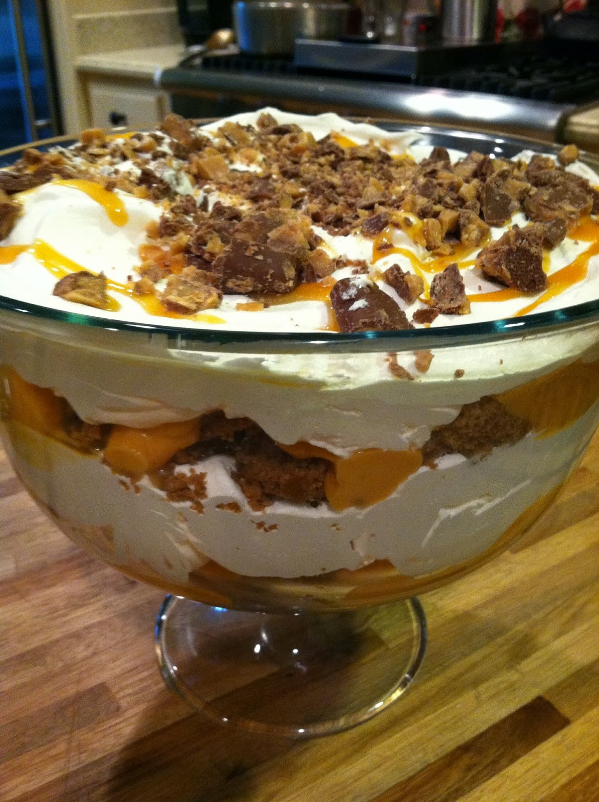 Pumpkin Trifle...not only is it beautiful, but very tasty and simple ...