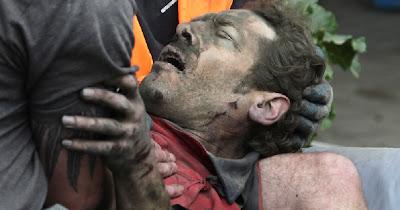 RESCATANDO HERIDOS TRAGEDIA EN NUEVA ZELANDA