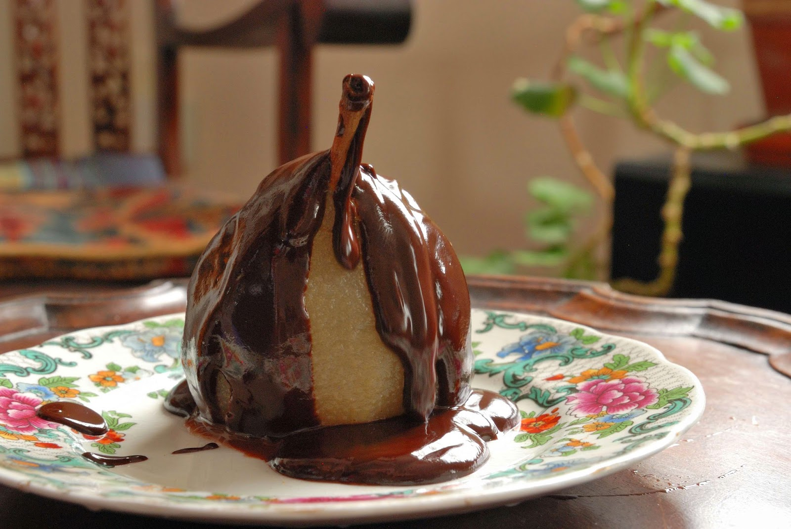 simple recipe to poach pear and make chocolate sauce