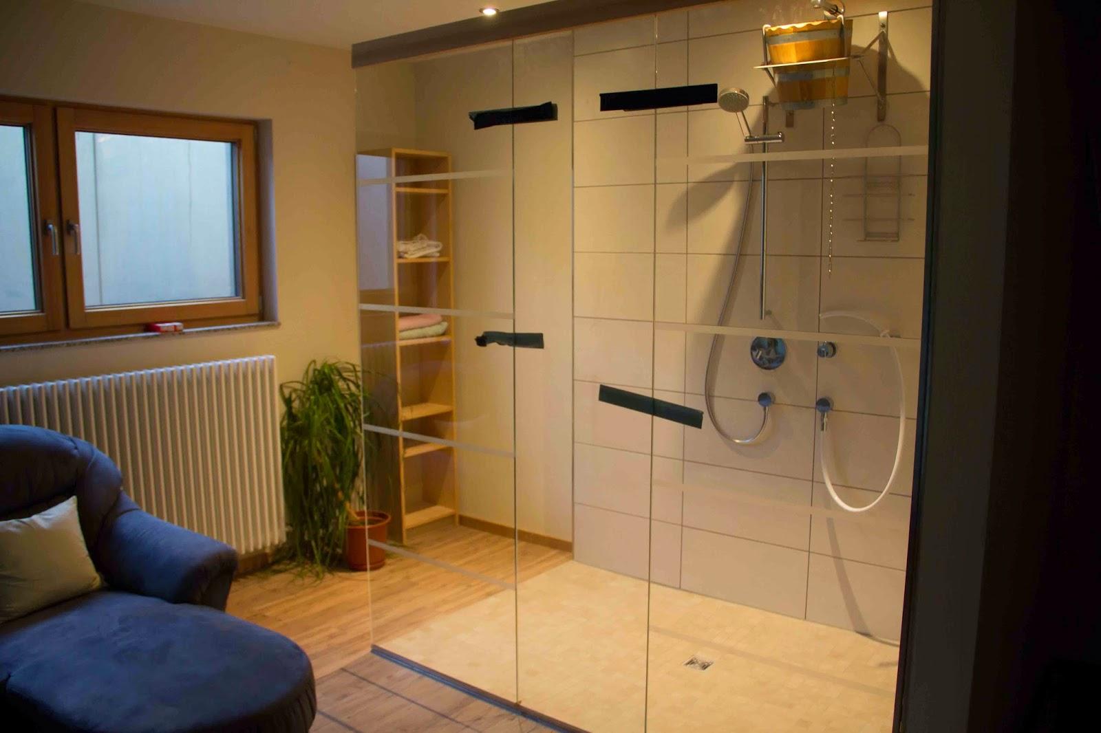 flederhaus steinboden behandlung bad umrandung und glasw nde. Black Bedroom Furniture Sets. Home Design Ideas
