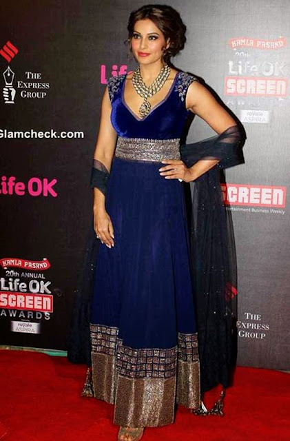 1836 - Bollywood Actress Bipasha basu in Designer Floor Length anarkali suit at LifeOK Screen Awards 2014