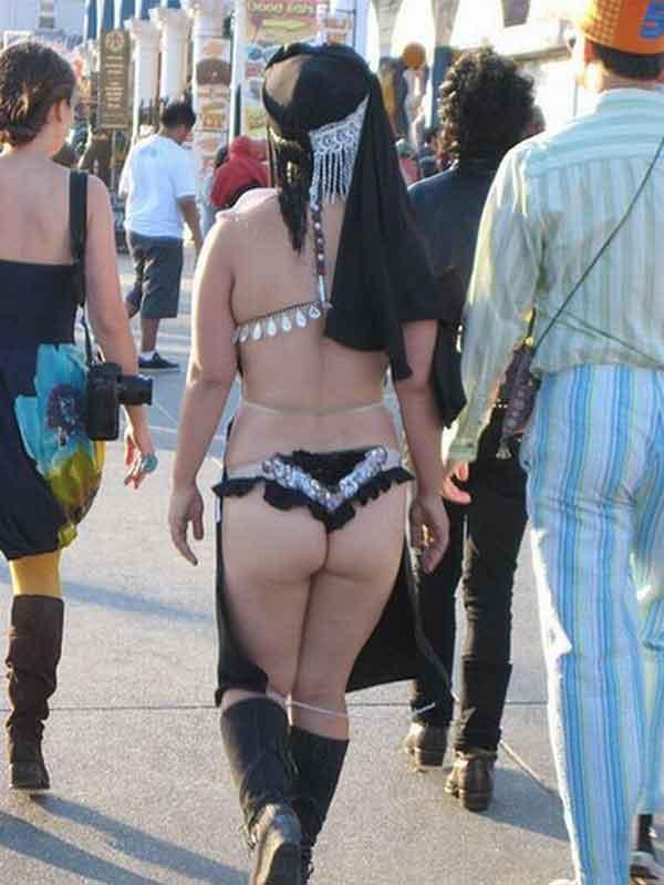 Fesyen tayang SELUAR DALAM