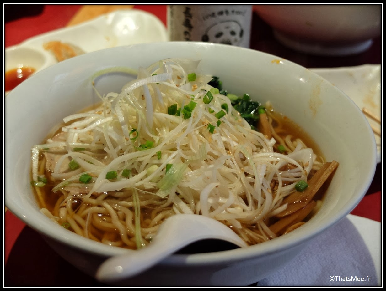 Resto Sapporo ramen poireaux rue Sainte Anne Paris, gastronomie plat traditionnelle japonaise