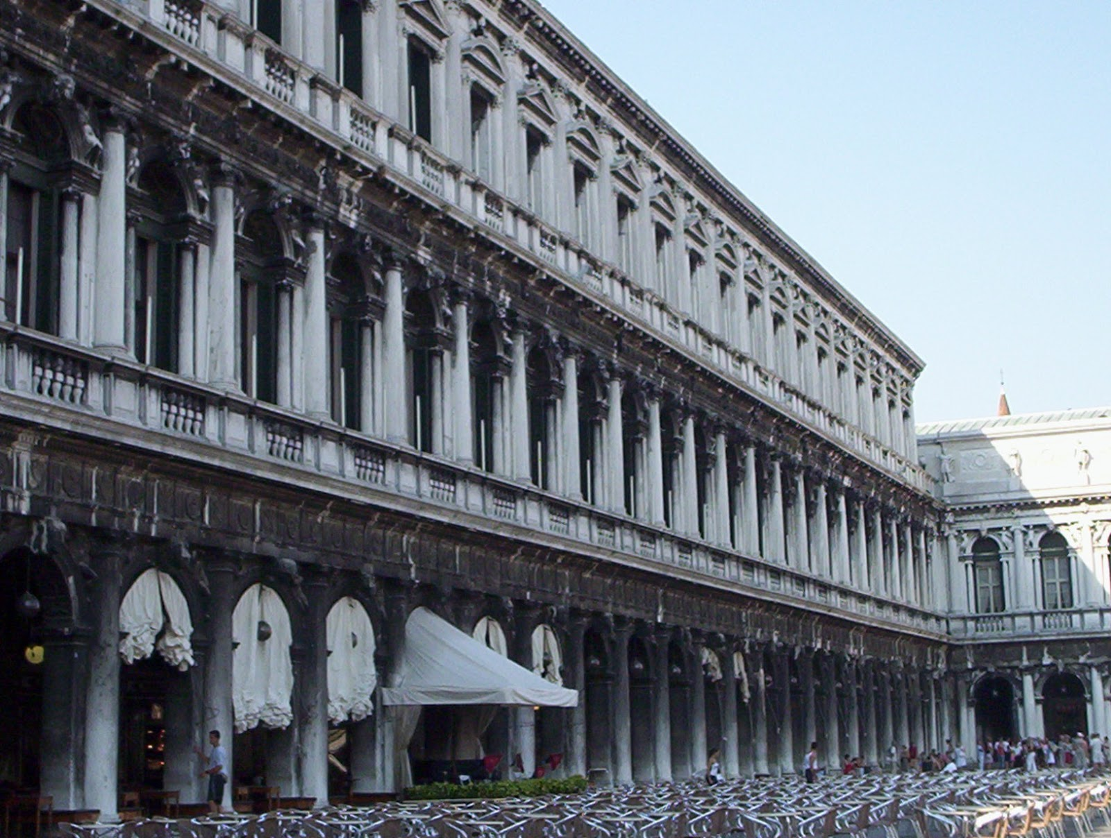 Saint-Marks-Square-Venice-Italy-2006-Sealiberty