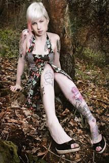 Sexy bitches - Fynne_%2528SG%2529_Bare_Necessities_04.jpg