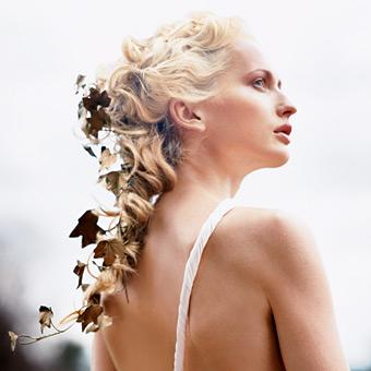 kiểu tóc dài cho cô dâu
