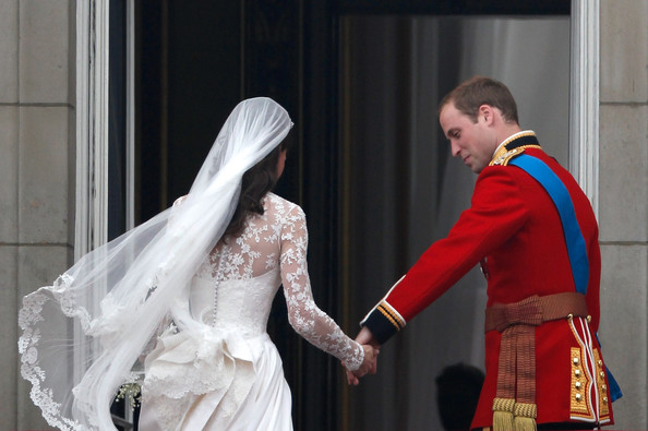 the Victorian corset feeling In addition to her veil Kate 39s bridal