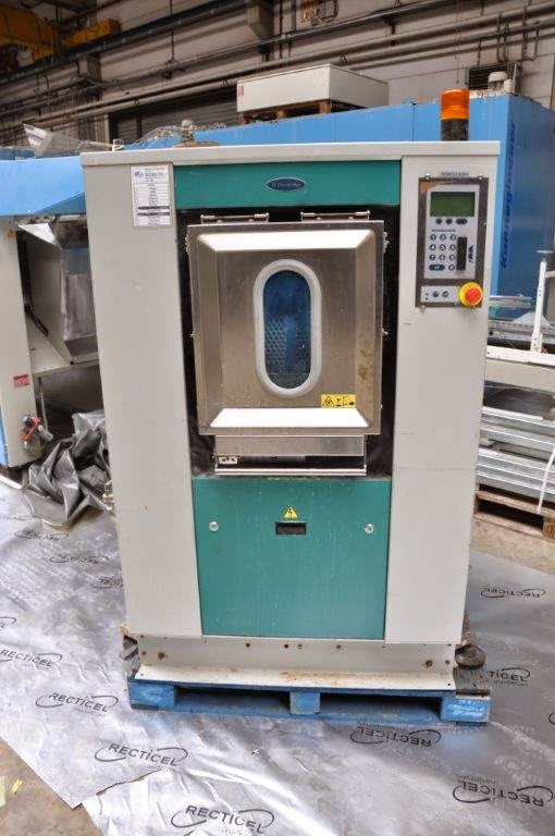 Electrolux Washer Extractor ~ Cbamachines worldwide trader in industrial laundry