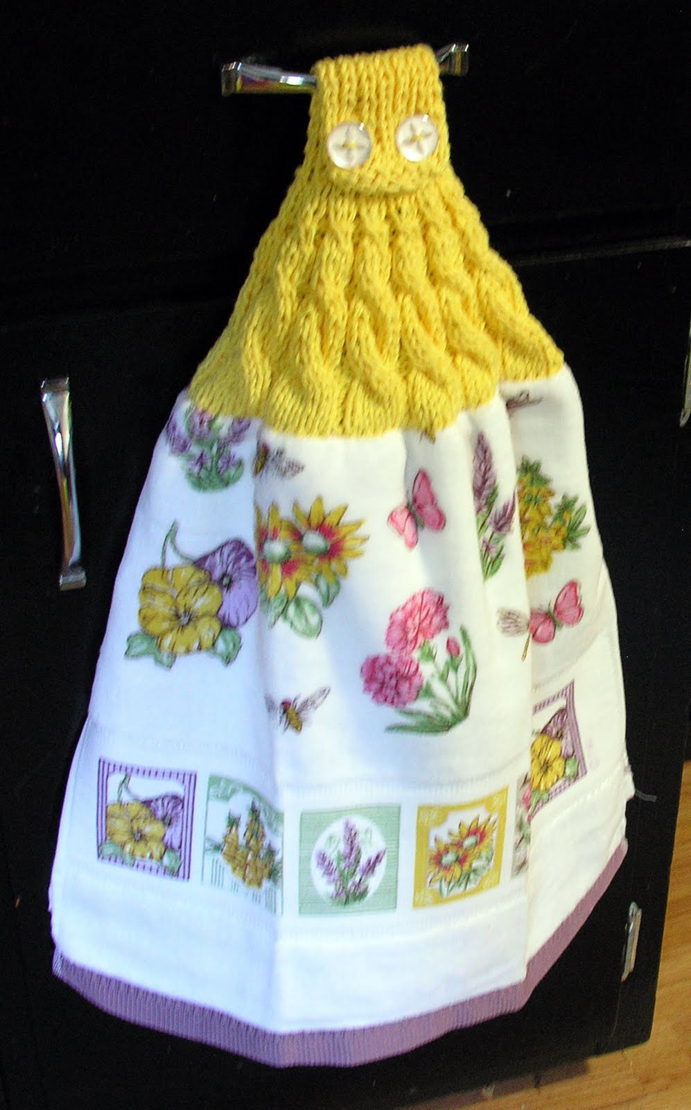 Yarn Visions: Decreasing Cable Towel Toppers