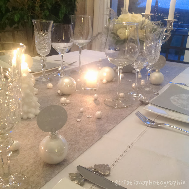 Mes p 39 tits bonheurs st sylvestre en blanc et gris - Deco table reveillon st sylvestre ...