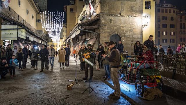 Ponte Vecchio :: Canon EOS5D MkIII | ISO1600 | Canon 17-40@30mm | f/4 | 1/10s