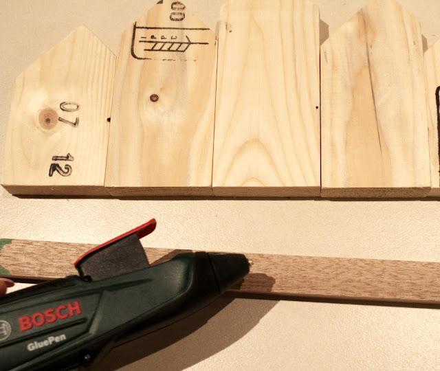 pistolet do kleju na gorąco DIY zrób to sam domki wieszak majsterkowanie blog wnętrzarski