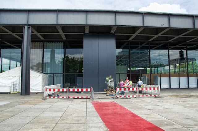 Baustelle Neue Nationalgalerie, Baumaschine für Innenarbeiten, Potsdamer Straße 50, 10785 Berlin, 04.06.2014