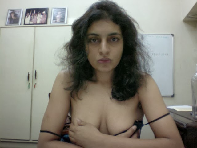 sexy girls webcam shows naked body