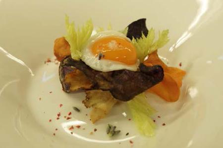 Paleo Menü Gericht 1, Wachtelei und Gemüse mit Lavendel und Eichenholz geräuchert