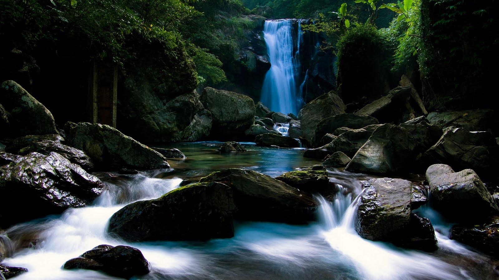 http://2.bp.blogspot.com/-d4whFduO7s4/Tcb9FTSVi_I/AAAAAAAABNw/-o6OtD3JB_I/s1600/Waterfall_4.jpg