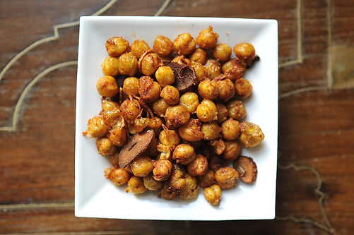 Epicurean Enthusiast: Recipe: Smoky Fried Chickpeas