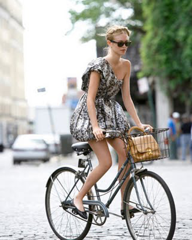 Riding bikes while wearing skirts | Bicycle girl, Cycling