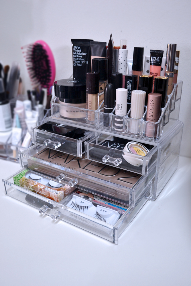 how i store my makeup the pink stilettos. Black Bedroom Furniture Sets. Home Design Ideas