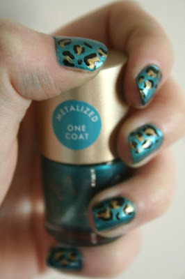 notd, leopard print, accessorize, claires, barry m, blue, nail art, freehand,