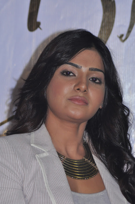 samantha new @ eega press meet hot images