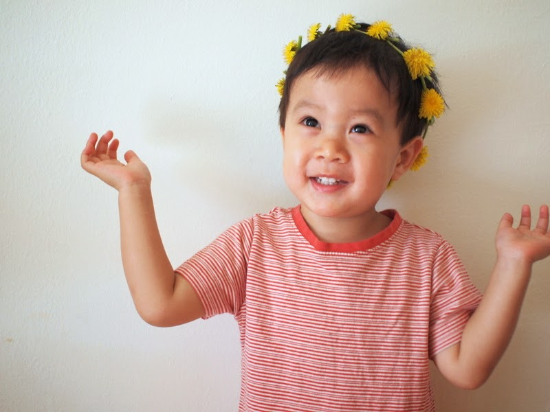 super easy dandelion crown