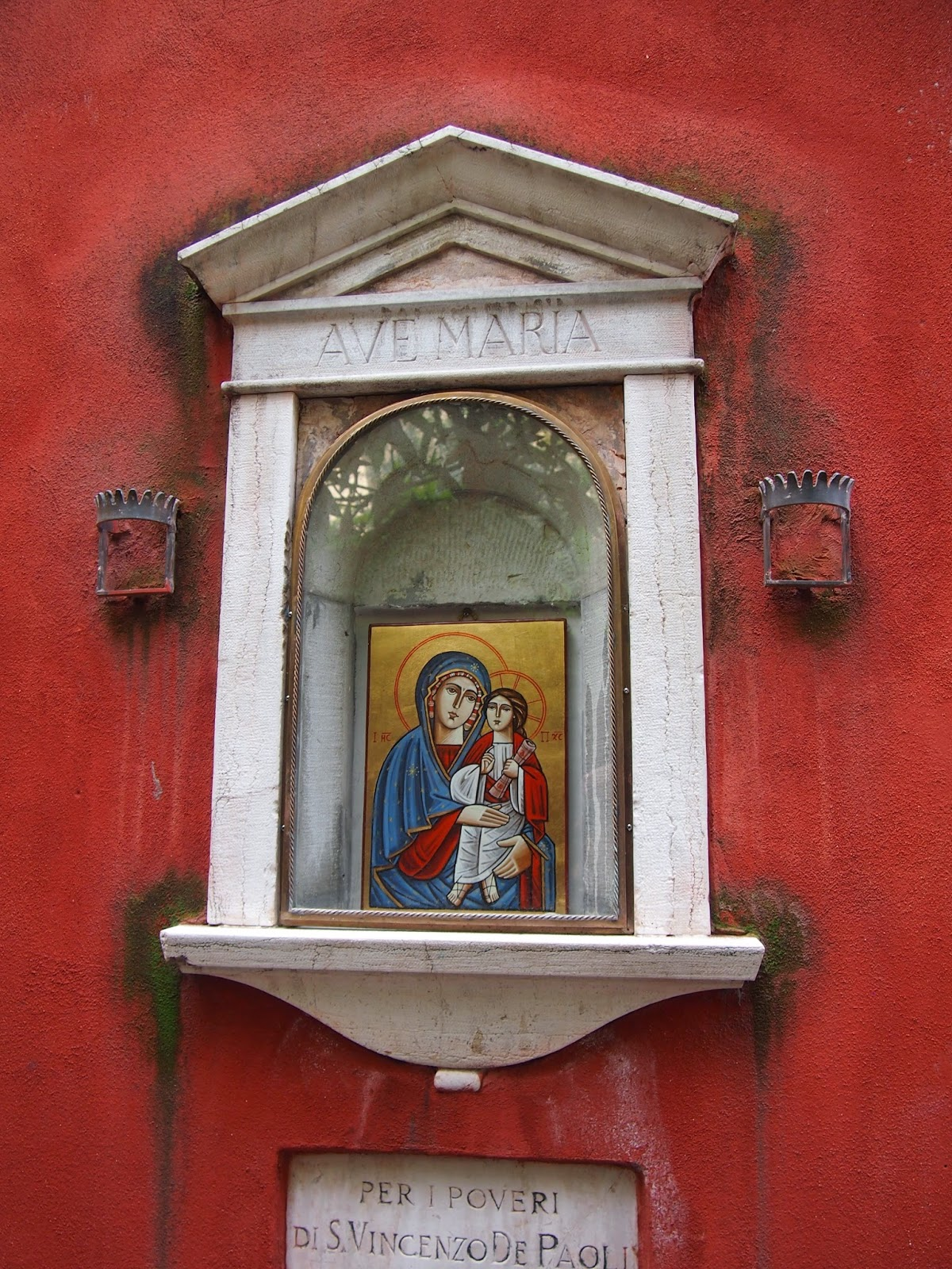 mini icon of the virgin mary and son in italy