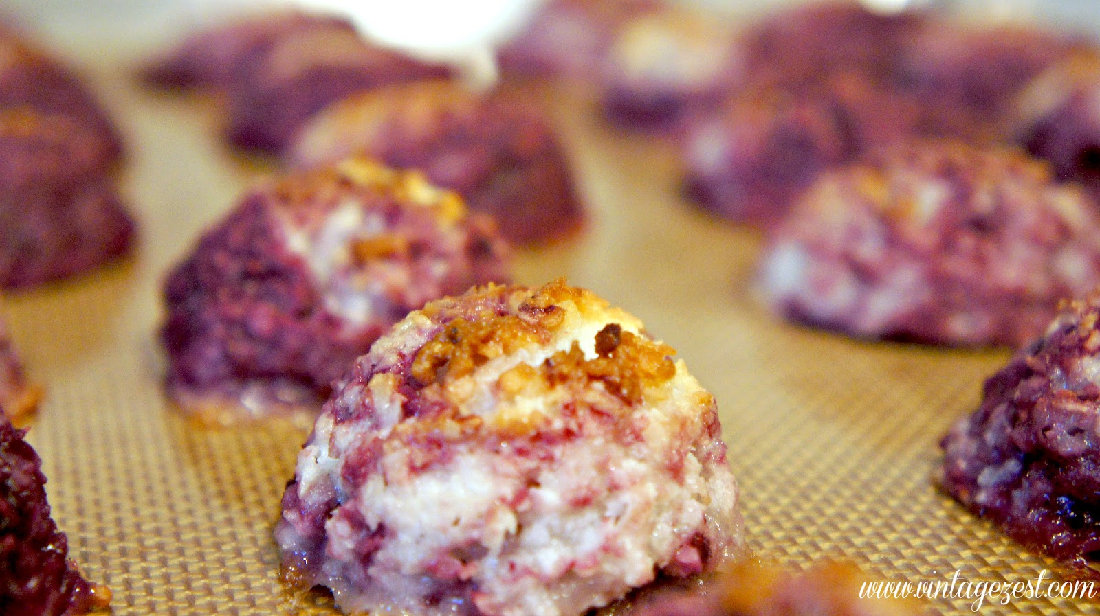 Raspberry Coconut Macaroons at Diane's Vintage Zest!