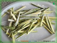 Zucchine con acciughe e pomodorini
