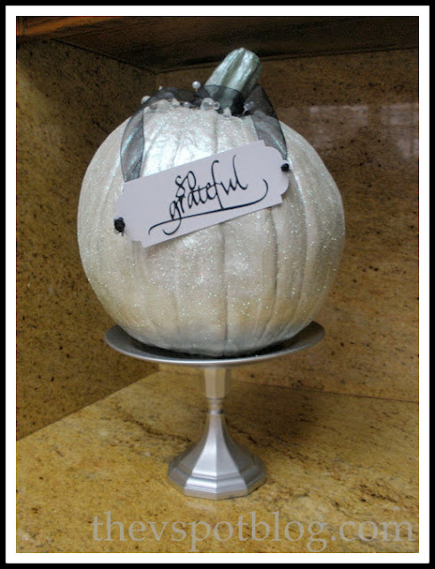 white, pumpkin, sparkle, glitter, elegant, silver, autumn, fall, pedestal